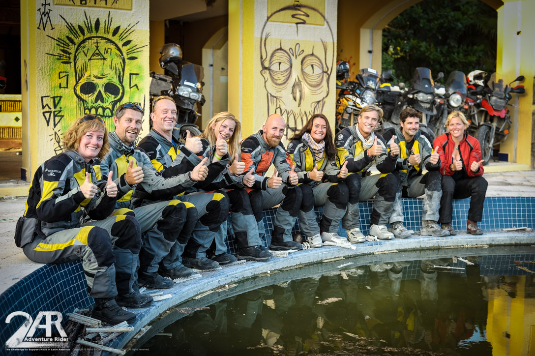 Die Bande: v.l. Petra, Andres, John, Claudia, Mirko, Lisa, Simon, Daniel, Josephine